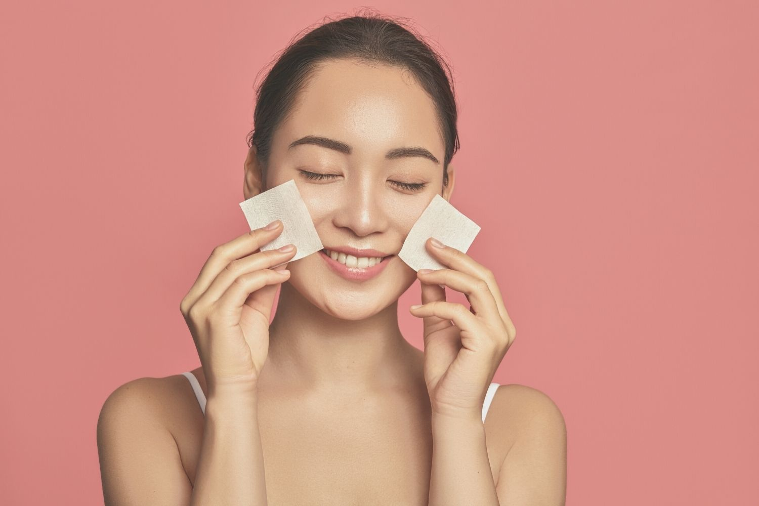 5 Tips to Mattify Your Skin This Summer